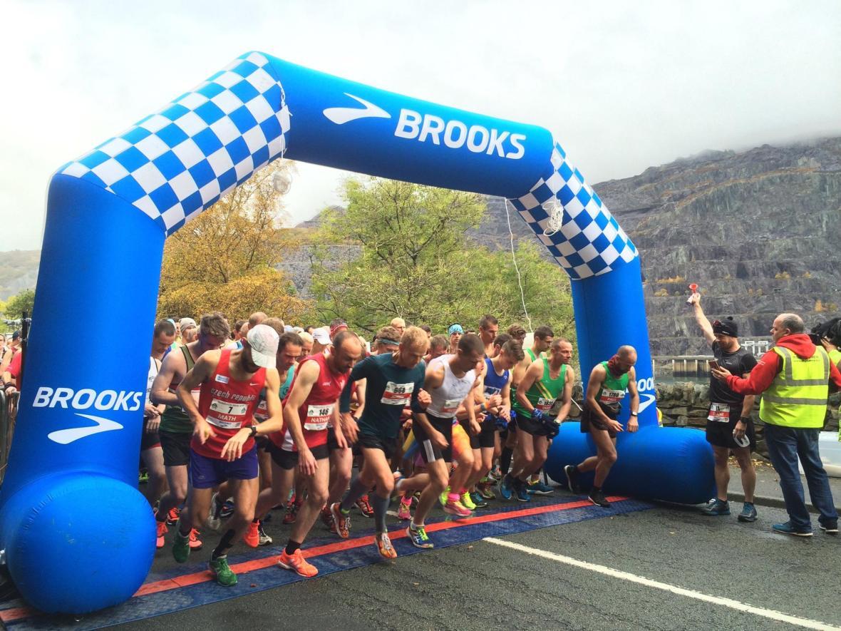 snowdonia-marathon-start-line